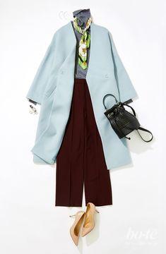 【bo-te】清々しいサックスブルーとリッチなボルドーカラーの組み合わせは、簡単に着映えできるこの冬のお気に入り 旬カラーの無地コーデにキレイ色スカーフを効かせれば、挨拶まわりも納会も万全! Street Hijab Fashion, Fashion Mode, Fashion Outfits, Smart Casual Work Outfit, Casual Outfits, Mature Women Fashion, Womens Fashion, Japanese Fashion, Korean Fashion