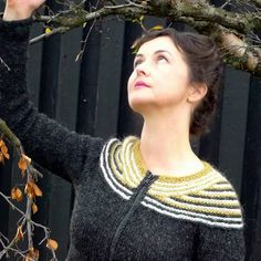 Ravelry: Lopi Affection pattern by Hélène Magnússon Fair Isle Knitting, Hand Knitting, Knitting Designs, Knitting Projects, Icelandic Sweaters, Cute Glasses, Knit In The Round, Sweaters For Women, Women's Sweaters