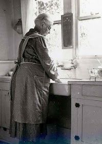 By hand. That looks like MY grandma! Apron and all! I miss you Grandma. What wonderful memories! Vintage Pictures, Old Pictures, Old Photos, Antique Photos, Le Far West, Coastal Cottage, The Good Old Days, Vintage Photographs, Back In The Day