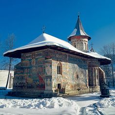 Arguably the most beautiful Romanian monestary and my personal favorite VORONET - it is just something special about it! Wonderful Places, Beautiful Places, Travel Around The World, Around The Worlds, Visit Romania, Cathedral Church, Old Churches, Architectural Features, Beautiful Buildings