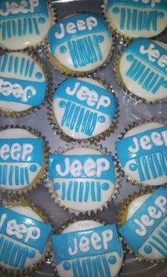 Jeep cupcakes but pink and blue!