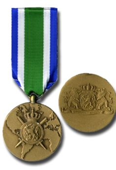 The Army medal was instituted for those who served in the Royal Netherlands Army in operational circumstances during a prolonged stretch of time. After the Royal Netherlands Navy in 1985 all other military arms followed with their operational service medals.