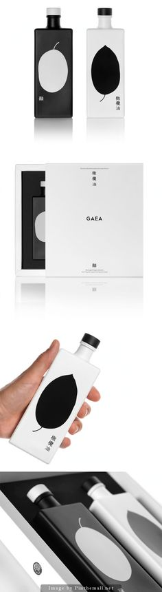 GAEA #Oil and #Vinegar, Creative Agency: mousegraphics - http://www.packagingoftheworld.com/2014/10/gaea-oil-and-vinegar.html