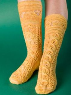 Busy Bees August Sock Pattern - Free Knitting Patterns by Kerin Dimeler- Laurence