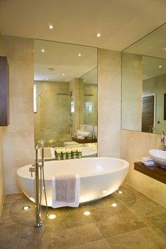 Bathroom : Glamorous Bathroom Design for Your Luxuries Bathing - Small Bathroom Design Ideas With Bowl Bathtub And Cool Floor Lights Modern Bathrooms Interior, Dream Bathrooms, Contemporary Bathrooms, Beautiful Bathrooms, Contemporary Wallpaper, Contemporary Garden, Contemporary Sofa, Small Bathrooms, Contemporary Apartment