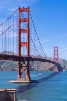 San Francisco Bridge, San Francisco At Night, San Francisco Tours, Living In San Francisco, San Francisco California, California Usa, Hotel Comparison, Famous Landmarks, City Aesthetic