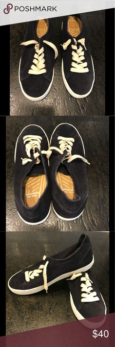 Dolce Viti Black Suede Shoes S. 8.5 A stylish pair of black suede shoes.  They look great with jeans. Dolce Vita Shoes Sneakers