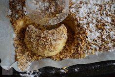 Semiluna cu nuca - CAIETUL CU RETETE Dessert Drinks, Cake Cookies, Deserts, Muffin, Breakfast, Food, Morning Coffee, Essen, Postres