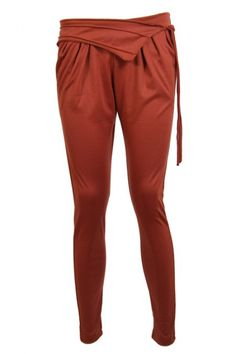 You want something different than a skinny jeans or a legging? No problem, we at 2dayslook.com have it for you. Meet our beautiful baggy trousers! The legs have a slim fit but the hips are very baggy, for the perfect casual look. You are going to love these.. Available in green, grey and orange.  www.2dayslook.com