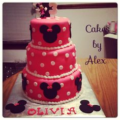 Minnie Mouse tiered birthday cake
