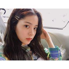 """ถูกใจ 62.2k คน, ความคิดเห็น 194 รายการ - Nana (@nanaouyang) บน Instagram: """"🌈✨🐰💫 Shooting with @voguetaiwan today..."""" Girl Korea, Girl Artist, Grunge Girl, Chinese Actress, Female Stars, Kpop Girls, Hair Pins, Asian Beauty, Ulzzang"""