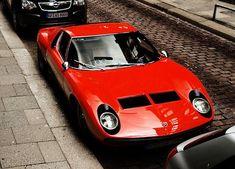 Lamborghini Miura SV – This one can stand out in a crowd. Ferrari, Maserati, Bugatti, Porsche, Audi, Classic Sports Cars, Classic Cars, Lamborghini Miura, Volkswagen