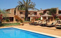 Hotelfinca Es Torrent | Die Hotelfinca befindet sich unweit vom Ort Campos im landwirtschaftlich geprägten Süden Mallorcas und verfügt über unterschiedliche Zimmerkategorien.