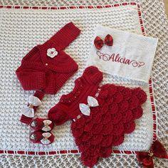 Baby Girl Crochet, Crochet Baby Clothes, Crochet Hats, Baby Patterns, Crochet Patterns, Baby Art, Baby Booties, Baby Dress, Crochet Projects