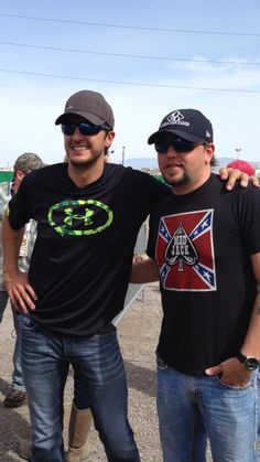 Luke Bryan and Jason Aldean my two favorite country singers. #theirsooocute