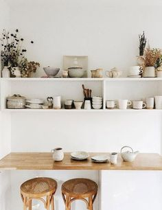 Home Decoration Ideas Inspiration vintage kitchen accouterment. Home Decoration Ideas Inspiration vintage kitchen accouterment. Decor, Kitchen Interior, Interior, Vintage Kitchen, Kitchen Decor, Home Decor, House Interior, Home Kitchens, Kitchen Design