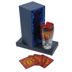 Personalised Manchester United Pint Glass Gift Set - £25.99