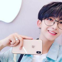 """ My princess are lovely "" Cute Asian Guys, Cute Korean Boys, Asian Boys, Cute Guys, Asian Girl, Korean Boys Ulzzang, Ulzzang Couple, Ulzzang Boy, Pelo Guay"