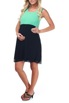 Inexpensive maternity clothes with lots of super cute options! FREE SHIPPING!