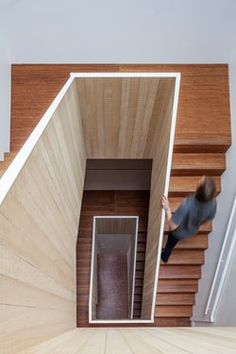In one of the oldest streets in ‪#‎Rotterdam‬, Paul de Ruiter Architects + Chris Collins designed the renovation of a monumental ‪#‎townhouse‬. While maintaining the existing framework of the villa, they completely restructured the floor plans #staircase