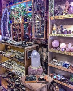 I Could Stay In This Magical Room Foreve Bohostyle - Room Decor Crystal Room, Crystal Magic, Crystal Altar, Crystals And Gemstones, Stones And Crystals, Magick, Witchcraft, Crystal Aesthetic, Magical Room