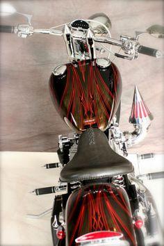 Custom Built Motorcycles : Bobber