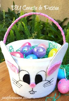 Easter Baskets To Make, Easter Table Decorations, You Gave Up, Spring Crafts, Easter Crafts, Happy Easter, Diy For Kids, Ideas Para, Easter Eggs