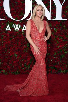 NEW YORK, NY – JUNE Claire Danes attends the Annual Tony Awards at The Beacon Theatre on June 2016 in New York City. (Photo by Dimitrios Kambouris/Getty Images for Tony Awards Productions) Celebrity Red Carpet, Celebrity Style, Red Carpet 2016, Jane Krakowski, Best Actress, Red Carpet Fashion, Ideias Fashion, Dress Up, Michael Kors