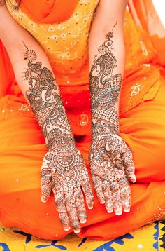 henna tattoo - I'm wondering if I can replicate it as a painting?