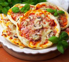 Joy Of Cooking, Cooking 101, Cooking Recipes, Good Food, Yummy Food, Small Meals, Party Snacks, Vegetable Pizza, Kids Meals