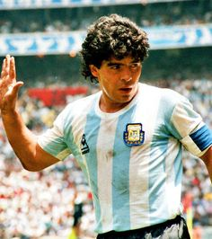 Diego Armando Maradona. Michel Platini, Ballon D'or, Maradona Football, Fifa, Dominique Rocheteau, Ronaldo, Messi Neymar, Mexico 86, Charlie Brown Quotes