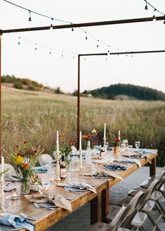 A fall gathering for the season to inspire a gathering with those you love. Simple table decor for fall. More on The Fresh Exchange with Megan Gilger.