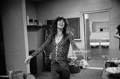 lead singer Steven Tyler from Aerosmith prepares backstage before their concert at Madison Square Garden in New York on 10th May 1976.