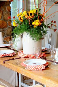 Last Minute Centerpiece for Your Thanksgiving Table - Duke Manor Farm Floral Centerpieces, Flower Arrangements, Manor Farm, Diy Thanksgiving, Autumn Inspiration, Seasonal Decor, Tablescapes, Table Settings, Table Decorations