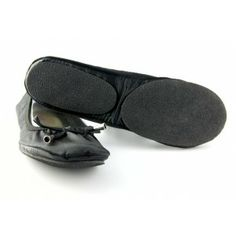 Portable and foldable shoes - fit in clouds