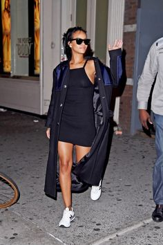 10 Style Rules To Learn From Rihanna | The Zoe Report