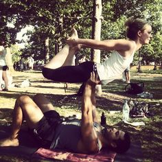 Acro Yoga - floating bow