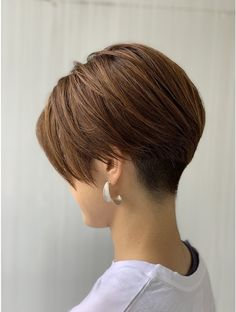 Japanese Short Hair, Asian Short Hair, Short Straight Hair, Short Hair Cuts For Women, Girl Short Hair, Girls Short Haircuts, Short Bob Hairstyles, Cool Hairstyles, Pixie Haircut For Thick Hair