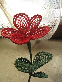 Ravelry: Fiore rosso pattern by Silvana Catallo