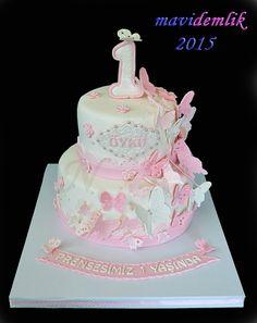 mavi demlik mutfağı- izmir butik pasta kurabiye cupcake tasarım- şeker hamurlu-kur: ÖYKÜ'NÜN KELEBEKLİ 1. YAŞ DOĞUM GÜNÜ PASTASI
