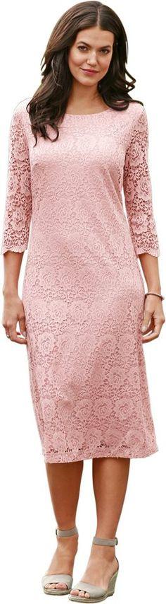 Classic Basics Kleidin zartem Pastellton für 39,99€. Kleid ganz aus feiner Spitze, Polyester, Figurumschmeichelnde Form, 3/4-lange Ärmel bei OTTO