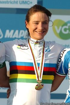 World Championships: Marianne Vos makes successful defence with late solo attack Marianne Vos, World Championship, Victorious, Cycling, Success, Sports, Women, Women's Cycling, Feminine