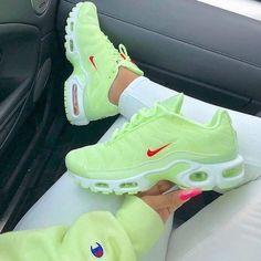 nike airmax shoes size women's Latest Nike Sneakers, Sneakers Fashion, Adidas Fashion, Cute Sneakers, Shoes Sneakers, Women's Shoes, Yellow Sneakers, Yellow Nikes, Sneaker Heels
