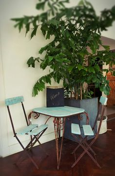 Gerestyld Frans gietijzeren tafel en stoeltjes van CustomThijs
