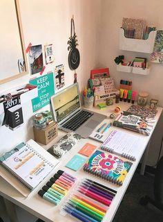 O cantinho dos meus sonhos ❤ desk organization in 2019 орган Study Room Decor, Bedroom Decor, Desk Inspiration, Ideas Para Organizar, Study Space, Aesthetic Room Decor, Study Motivation, Desk Organization, Wood Boxes