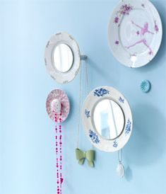 #DIY Mirror out of a dish - #101woonideeen.nl - Dutch interior and crafts magazine