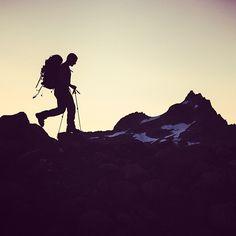 Joe Sullivan works his way towards Eldorado Peak, Cascades, Washington. Photo by @G Grove #funhogging