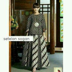 Etnik but lucuuu Batik Fashion, Abaya Fashion, Muslim Fashion, Fashion Fabric, Batik Blazer, Blouse Batik, Batik Dress, Ny Dress, Blouse Dress