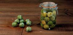 Rien de meilleur que cette recette de prunes à l'eau-de-vie en bocal faites maison !