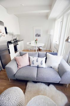 smart home decor advice detail are offered on our site. Check it out and you wont be sorry you did. The post smart home decor advice detail are offered on our site. Check it out and you won appeared first on wohnungeinrichten. Cute Dorm Rooms, Cool Rooms, Appartement New York, Couples Apartment, Apartment Ideas, Bedroom Apartment, Young Couple Apartment, Diy Bedroom, Studio Apartment Kitchen